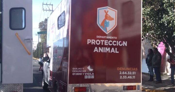 Entrega Claudia Rivera vehículos para la protección animal