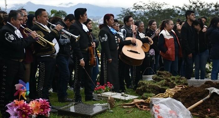 Con mariachis despiden a estudiante asesinado en Puebla