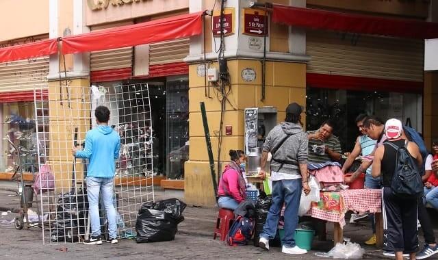 Lista de primeros 100 ambulantes que serán retirados en Puebla