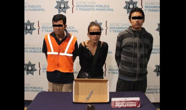 Detiene a tres asaltantes de transeúntes en Puebla