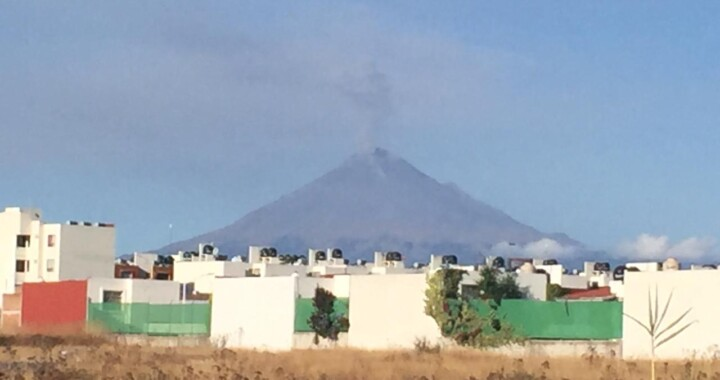 Registra Popocatépetl más de 150 exhalaciones en un día