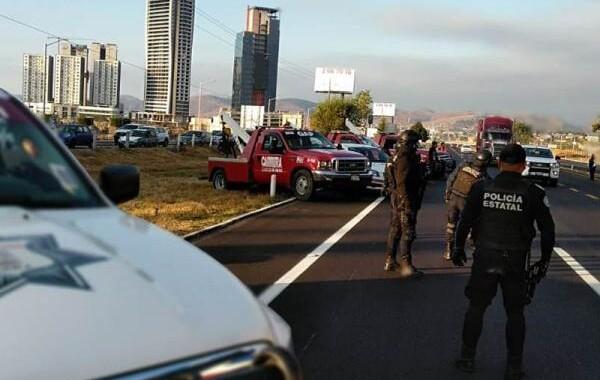 Inicia operativo contra taxis pirata