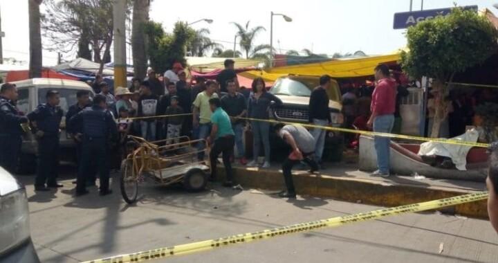 Accidente automovilístico deja tres heridos y un muerto