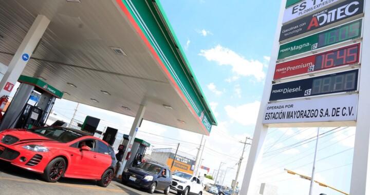 Por debajo de los 16 pesos precios de gasolina