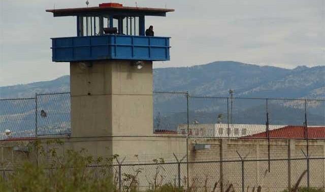 Hallan en penal de Ciudad Serdán armas y drogas