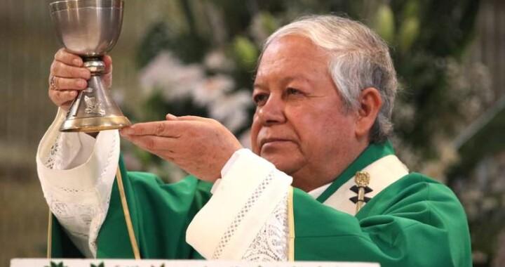 Comienzan poblanos Semana Santa en crisis y sin viacrucis