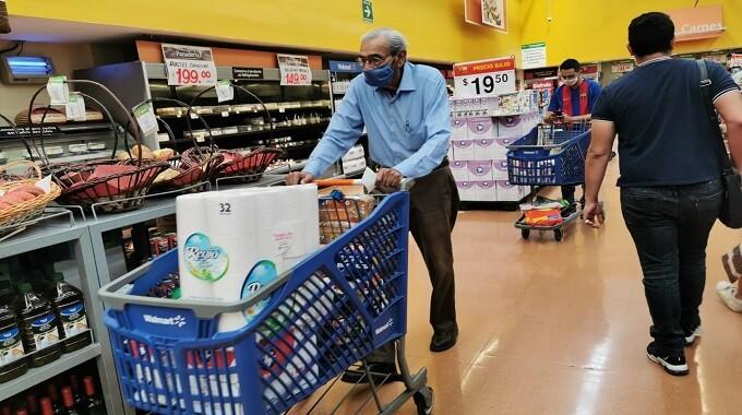 Supermercados en Puebla niegan acceso sin cubrebocas