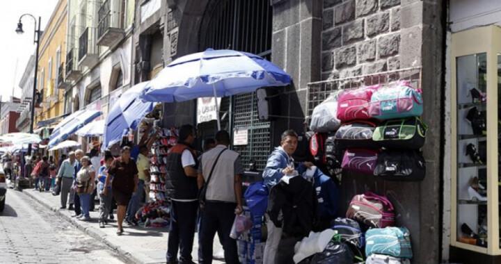 Exige regidor morenista retirar a los ambulantes del Centro Histórico