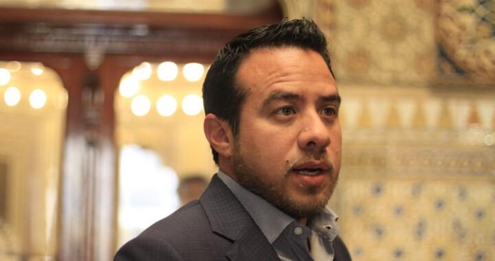 Cárcel para quién agreda a trabajadores de la salud en Puebla: Oswaldo Jiménez