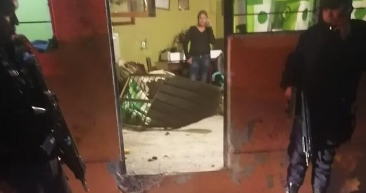 Detienen a tres personas por explosión en Santa Ana Xalmimilulco