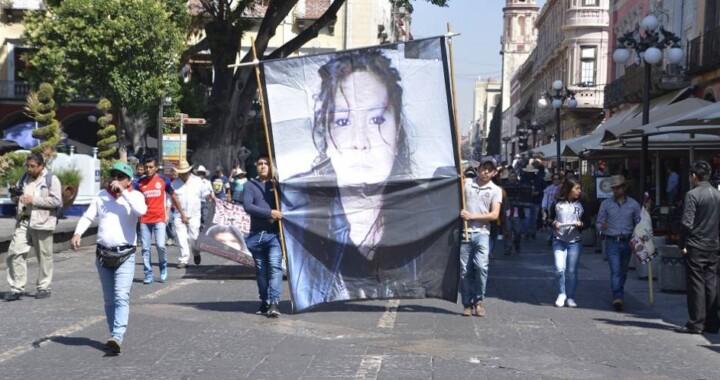 La 28 de Octubre se manifiesta para exigir justicia al feminicidio de Meztli Sarabia