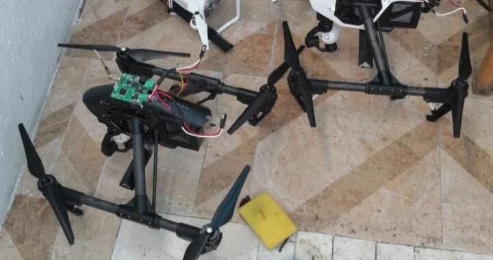 La FGR asegura drones y explosivos tras cateos en domicilios de Cholula, Puebla