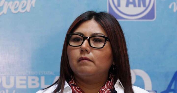 """Genoveva Huerta dice que el """"hoy no circula"""" en Puebla es un error"""