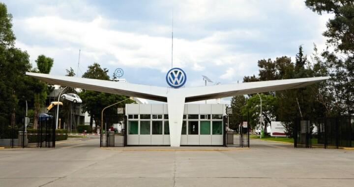 Cien trabajadores de la Volkswagen serán enviados a plantas en Alemania, China y Brasil