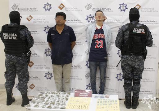 """Capturan a dos presuntos narcomenudistas del grupo delictivo """"Los Sinaloas"""""""