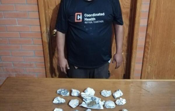 Detienen a presunto narcomenudista en Zihuateutla