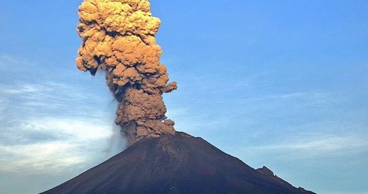 Impresionante explosión del Popocatépetl