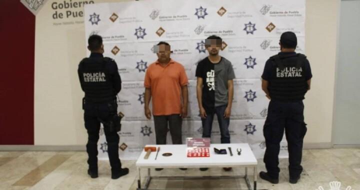 """Detienen a dos miembros de la banda """"Los Chumacero"""" buscada en Puebla, Tlaxcala y Veracruz por robar cable; son ex empleados de Telmex"""