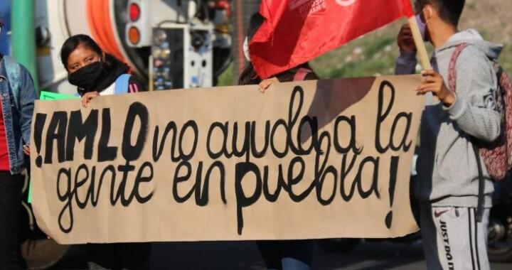 Se realiza manifestación contra AMLO en la XXV Zona Militar