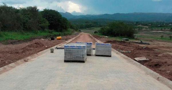 Hurtan material de obras públicas de Tepeojuma: adoquines y toneladas de cemento