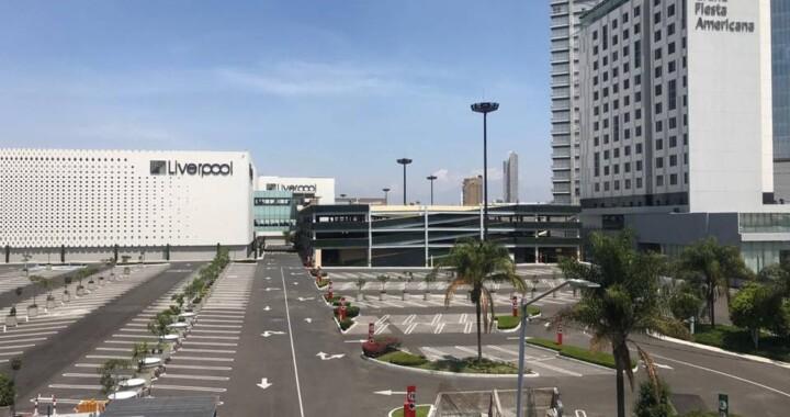 En la reapertura de centros comerciales solo habrá negocios esenciales: Barbosa