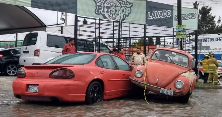 La intensa lluvia sobre la capital poblana dejo severas inundaciones y accidentes