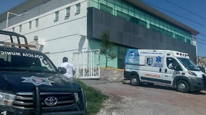 Comando armado balea a detenido en Casa de Justicia de Tecamachalco