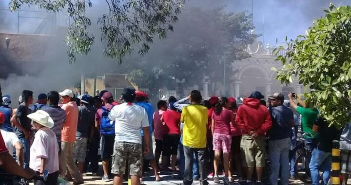 Exigen indemnización a FGE por familiares linchados en Acatlán