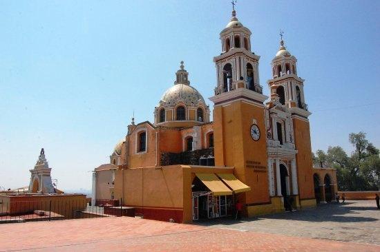 Habrá reapertura de templos religiosos de San Pedro Cholula con medidas especiales
