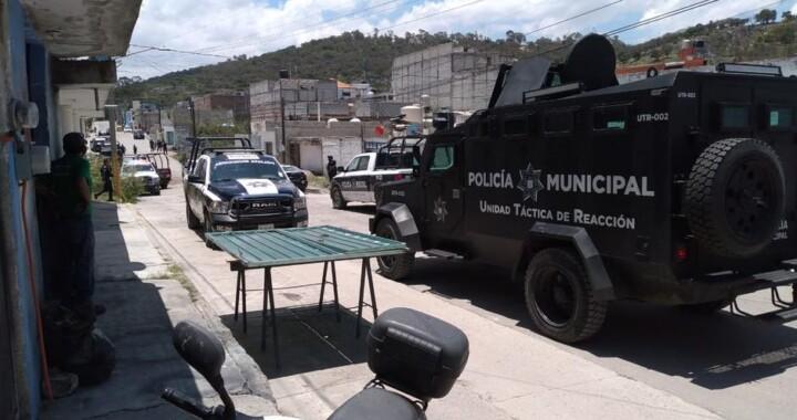 Tras balacera e intensa persecución se logran recuperar dos vehículos robados
