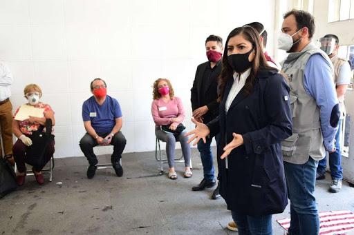Gobierno del municipio de Puebla entrega apoyos a comerciantes y artesanos