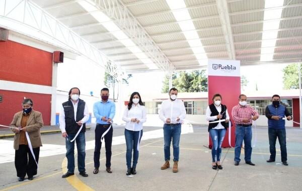 Ayuntamiento de Puebla entrega domos escolares en San Ramón y Mayorazgo