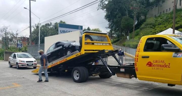 Durante operativo asegura STM dos taxis piratas en Teziutlán