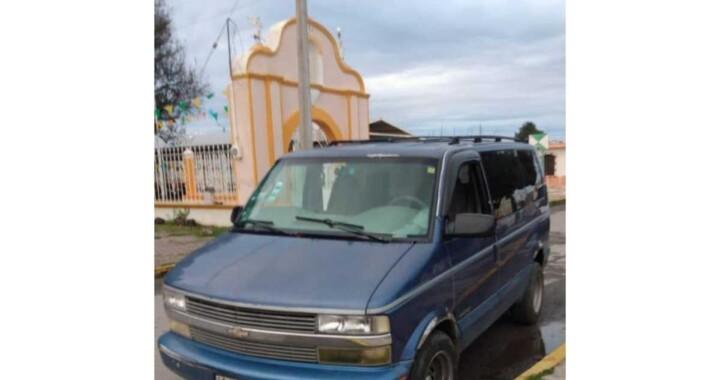 Pobladores detienen a tres presuntos secuestradores en Acajete