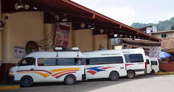Realiza SMT operativos de sana distancia en el transporte público de Zacapoaxtla