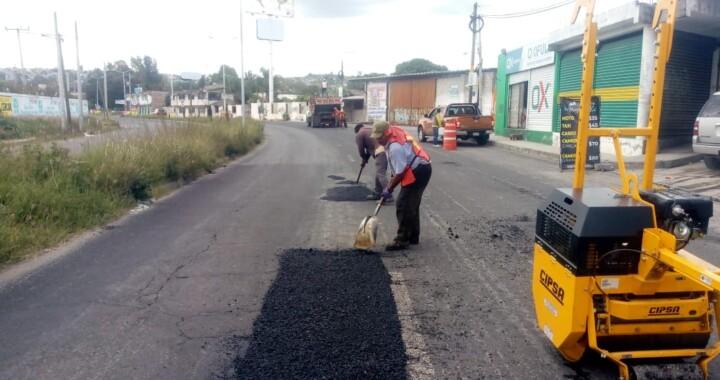 Realiza Secretaría de infraestructura bacheo emergente en bulevares Atlixco y Valsequillo