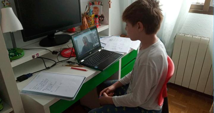 Protección civil municipal informa posturas corporales adecuadas para actividades escolares en casa