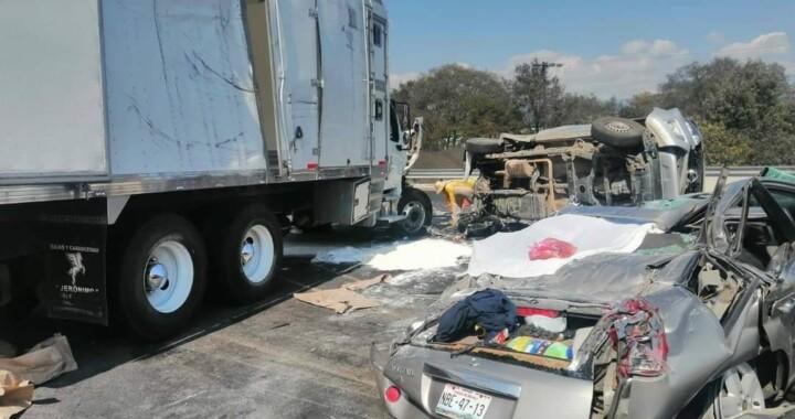 Una persona muerta y cinco lesionados deja accidente en la autopista México-Puebla