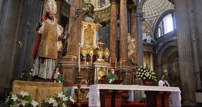 Sánchez Espinosa pide a los católicos que respeten la vida