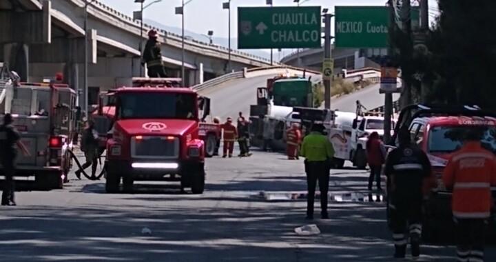 Vuelca pipa en la México-Puebla