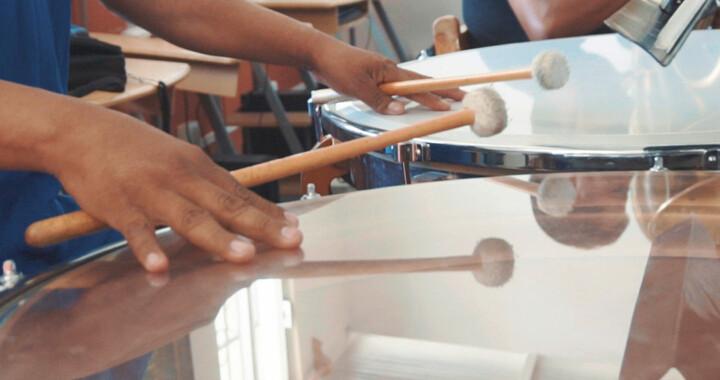 Refrenda Cultura compromiso de rescate de Banda Sinfónica Mixteca