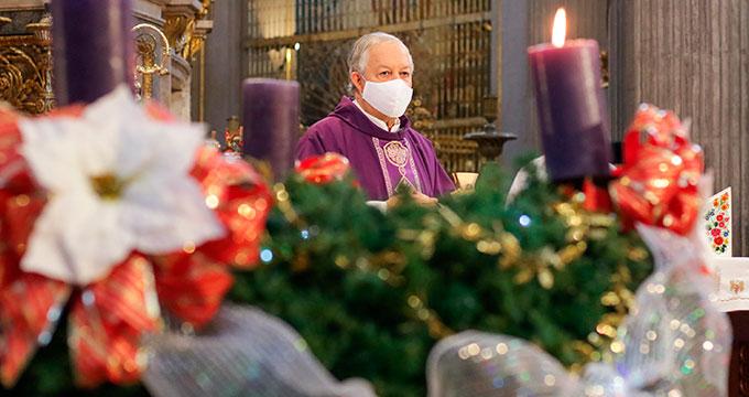 Pide arzobispo a fieles efectuar celebraciones decembrinas con extremo cuidado