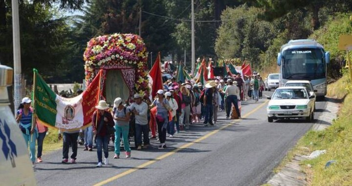 El Covid-19 no detiene a peregrinos rumbo a la Basílica de Guadalupe