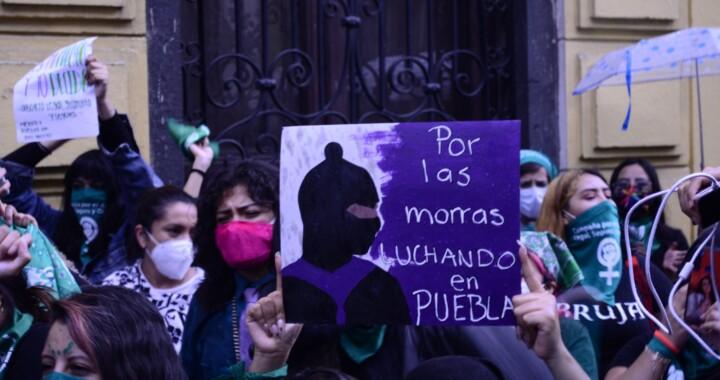 Feministas liberarán Congreso de Puebla