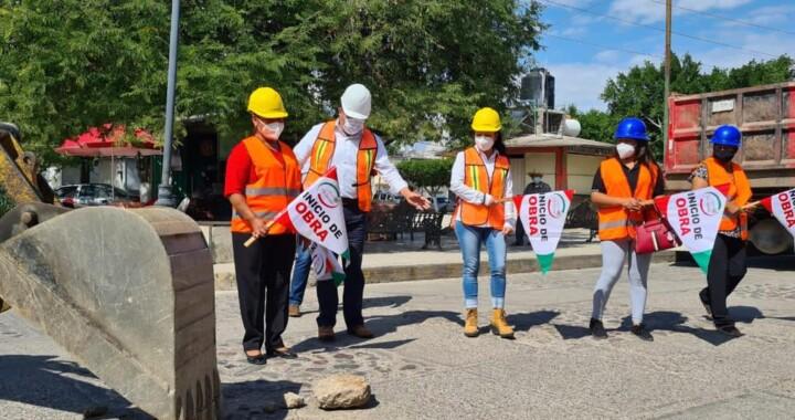 Ejecutan rehabilitación de calle Guadalupe Victoria en Yeloixtlahuaca
