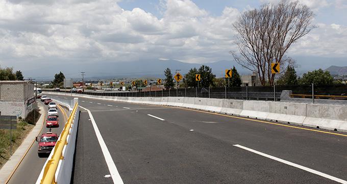 Provoca choque un muerto y dos heridos en la autopista Puebla- Atlixco