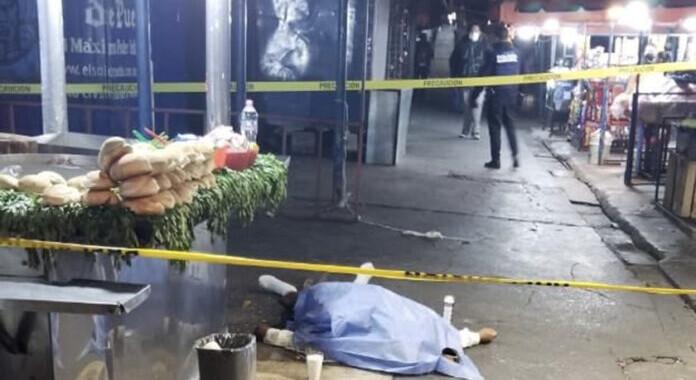 Muere hombre de un infarto mientras comía tacos en la CAPU