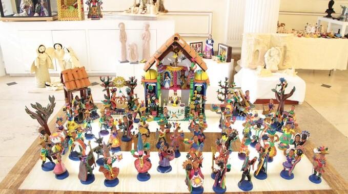 Presentan Secretaría de Cultura y Fonart nacimientos de artesanos mexicanos