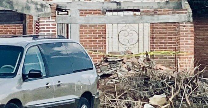 Pierde la vida un albañil al caerle el techo de una casa en Huejotzingo