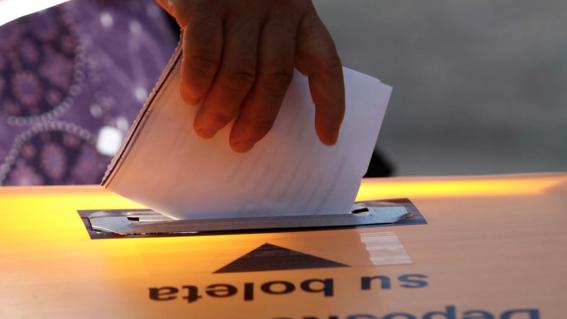 Analizan posibilidad de incluir fotografías de candidatos en boletas electorales